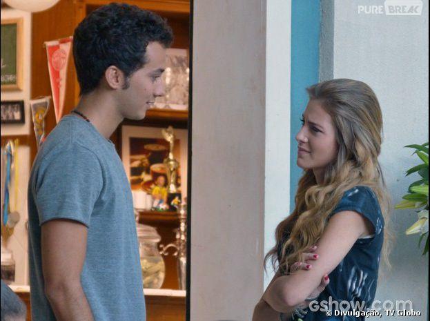 """<p>Sofia (Hanna Romanazzi) está namorando com Ben (Gabriel Falcão) em """"Malhação""""</p>"""