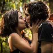 """Novela """"Velho Chico"""": Miguel (Gabriel Leone) e Olívia se beijam após descoberta!"""