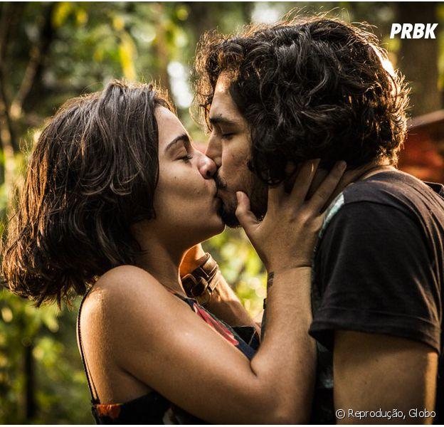 """Em """"Velho Chico"""": Olívia (Giullia Buscacio) e Miguel (Gabriel Leone) se beijam!"""