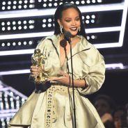 VMA 2016: Rihanna faz 4 performances e recebe prêmio histórico das mãos de Drake!