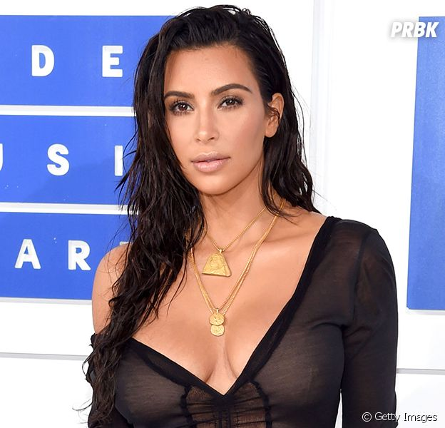 Kim Kardashian aparece pelada no Snapchat!