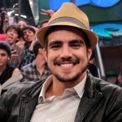 """Caio Castro revela que já ficou excitado em cenas de sexo: """"É natural!"""""""