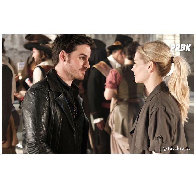 """Em """"Once Upon a Time"""", Hook (Colin O'Donoghue) enfrenta passado e problema com Emma (Jennifer Morrison)"""
