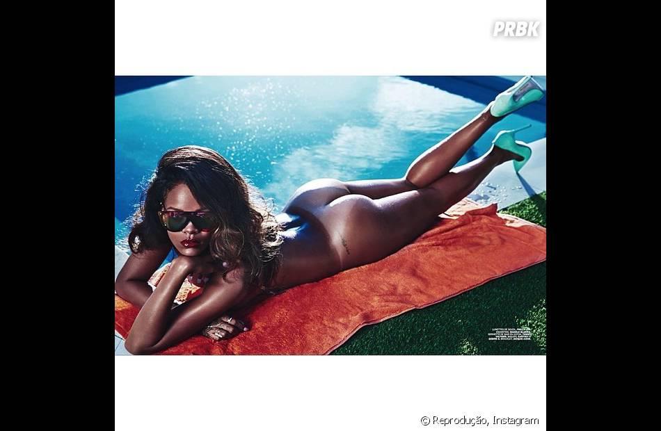 """As fotos que Rihanna fez para revista """"LUI"""" chamou a atenção porque a estrela aparece praticamente nua"""