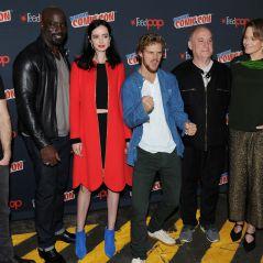 """Série """"Os Defensores"""": Charlie Cox, Krysten Ritter e elenco se reúnem e anunciam vilã da série!"""