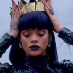 Rihanna, Ludmilla, Demi Lovato e mais cantoras que têm tatuagem nas mãos!