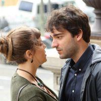 """Novela """"A Lei do Amor"""": Tiago (Humberto Carrão) beija Isabela e se declara!"""