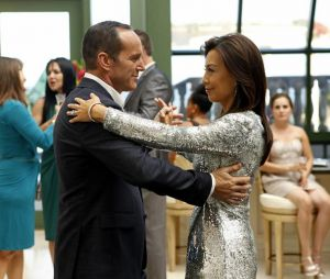 """Em """"Agents of SHIELD"""", Coulson (Clark Gregg) e May (Ming-Na Wen) estão flertando, segundo ator!"""
