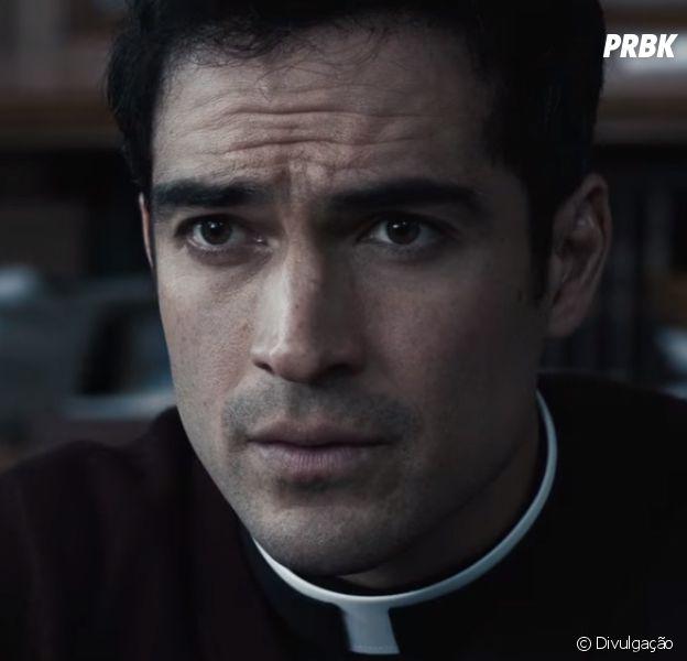 """De """"O Exorcista"""", com Alfonso Herrera, atores relatam momentos tensos nos sets de filmagem!"""