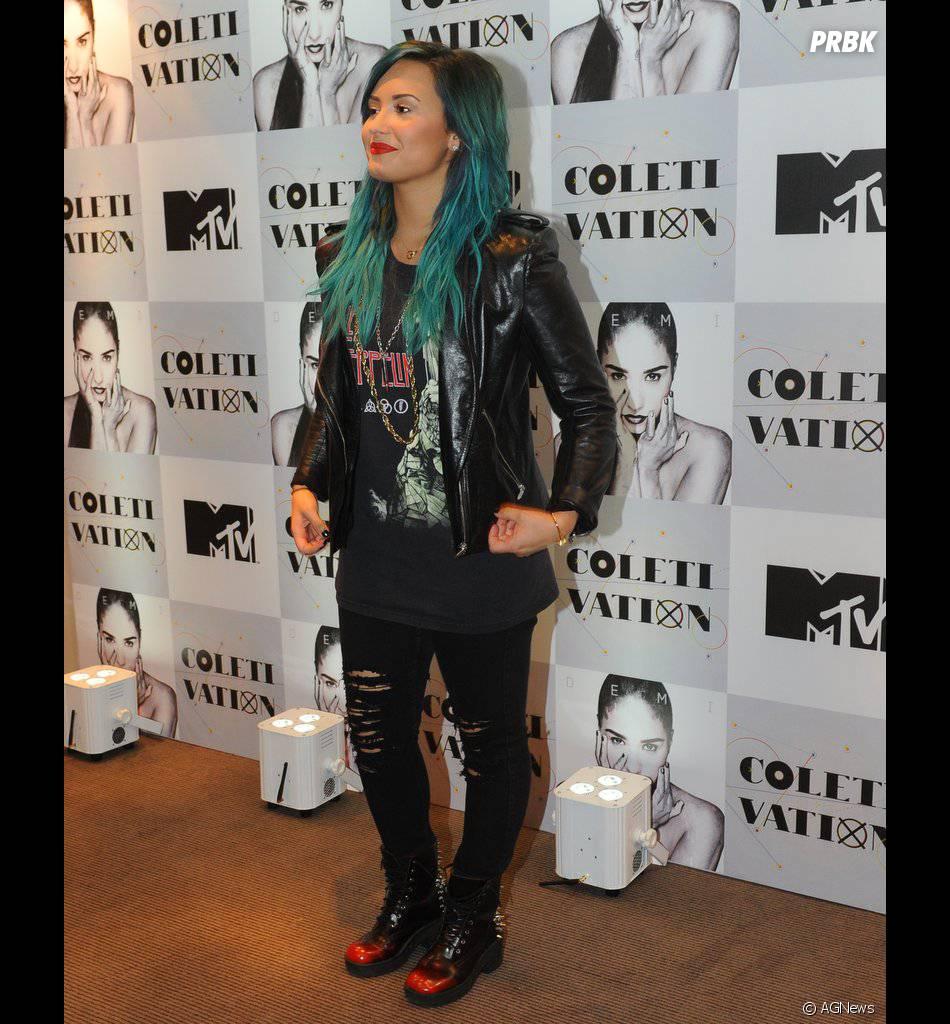 """Um dos assuntos que Demi Lovato comentou foi sua personagem em """"Glee"""": """"Ser gay não é uma vergonha. Era um tabu antes. Vir do Disney Channel não muda isso"""""""