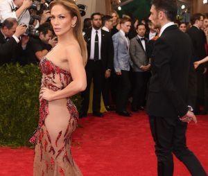 Jennifer Lopez é uma diva pop que faz aniversário em 24 de julho