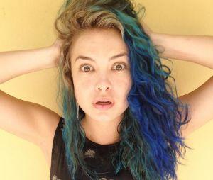 """Lua Blanco pinta os cabelos de azul para interpretar Renata em """"Ela é o Cara""""!"""