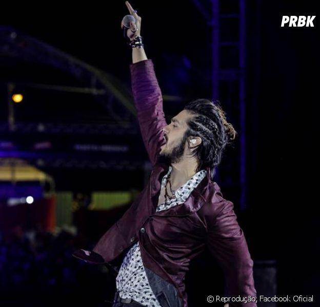 Luan Santana é um dos astros que estão presenteando os fãs com muitas novidades