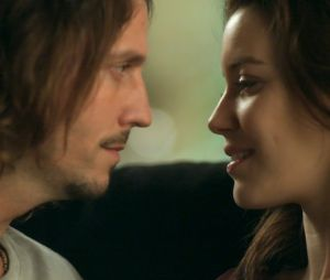 """Gui (Vladirmir Brichta) e Júlia (Nathalia Dill) finalmente vão ficar juntos em """"Rock Story""""!"""
