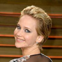 Jennifer Lawrence fala que vomitou em festa pós Oscar e Miley Cyus a sacaneia