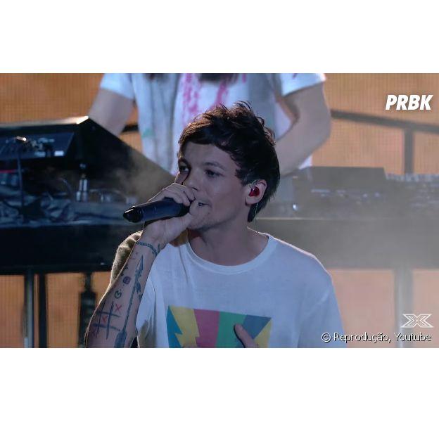 """Louis Tomlinson lança """"Just Hold On"""", música em homenagem à mãe no palco do """"The X Factor"""""""