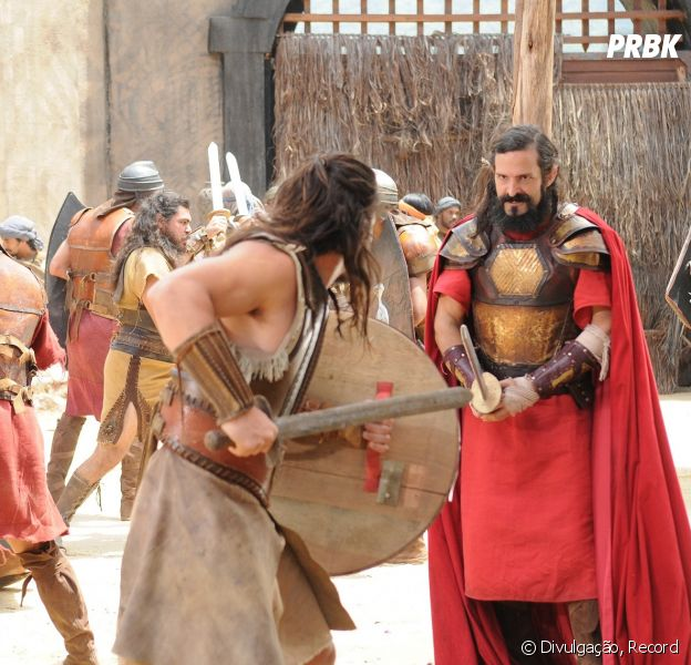 """Em """"A Terra Prometida"""": hebreus são derrotados durante batalha do reino de Ai!"""