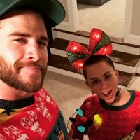 Miley Cyrus e Liam Hemsworth postam selfie fofa em comemoração ao Natal e fãs piram!