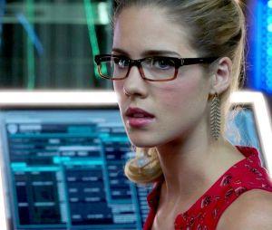 """Em """"Arrow"""": Felicity (Emily Bett Rickards) busca por vingança em novo episódio!"""