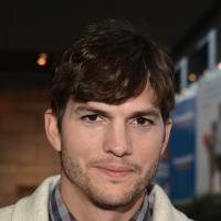 É bicampeão! Forbes elege Ashton Kutcher como o ator mais bem pago da TV dos EUA!