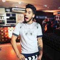 """Novela """"Carinha de Anjo"""": cantor Zé Felipe é contratado por Juju (Maisa Silva) e faz show surpresa!"""