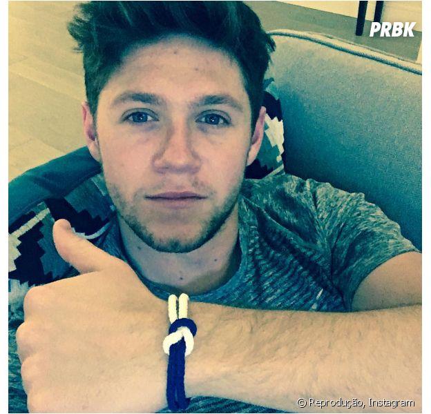 Niall Horan, do One Direction, pinta o cabelo e recebe elogios