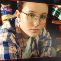 """Larissa Manoela publica foto de """"Meus 15 Anos"""" e mostra intimidade com atores!"""