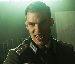 """O Sr. Douglas (Pete Ploszek) vai conseguir seu tão sonhado exército em """"Teen Wolf""""?"""