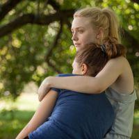 Dakota Fanning e Elizabeth Olsen falam sobre virgindade em trailer de drama
