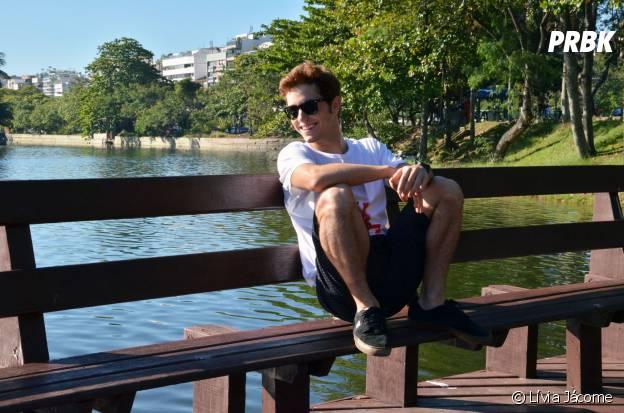 Christian Monassa esbanjou charme em uma manhã ensolarada no Rio de Janeiro