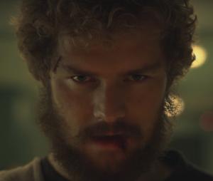 """Em """"Punho de Ferro"""": Danny tenta recuperar empresa e novo vilão são destaques do trailer!"""