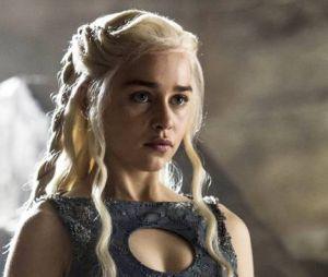 "Emilia Clarke é a Daenerys Targaryen de ""Game of Thrones"""