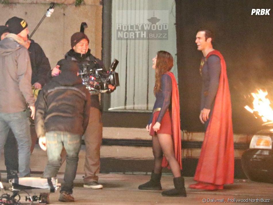 """Novas imagens de """"Supergirl"""" mostram Superman em ação"""