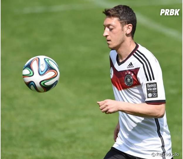 Özil aparece na 6ª posição dos jogadores mais valiosos!