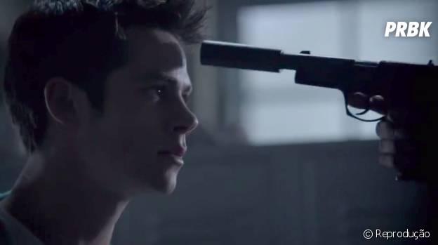 "Será que Stiles (Dylan O'Brien) vai partir dessa pra melhor em ""Teen Wolf""?"