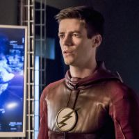 "Em ""The Flash"": no final da 3ª temporada, Barry (Grant Gustin) corre risco ao tentar salvar Iris!"