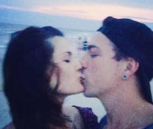 Isabelli Fontana e Di Ferrero são namorados e sempre mostram o carinho que um tem pelo o outro nas redes sociais