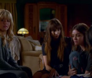 "Final ""Pretty Little Liars"": as Liars vão se reunir para desvendar os últimos mistérios pendentes!"