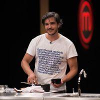 "No ""MasterChef Brasil"": Fabrizio entrega bolo gorduroso e é eliminado!"