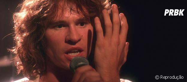 "Val Kilmer interpretou músico Jim Morrison no filme ""The Doors"""