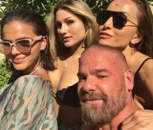 Bruna Marquezine e Sasha Meneghel curtem piscina com Sabrina Sato e mais!