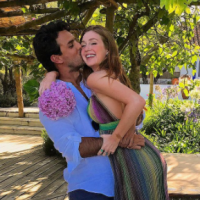 """Marina Ruy Barbosa conta detalhes sobre casamento com Xandinho Negrão: """"Supercalma"""""""