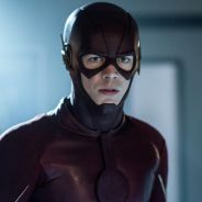 "Em ""The Flash"": na 4ª temporada, Grant Gustin mostra novo uniforme de Barry!"