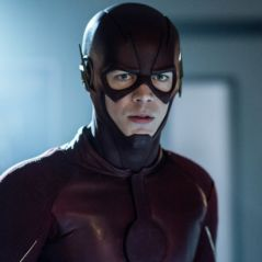 """Em """"The Flash"""": na 4ª temporada, Grant Gustin mostra novo uniforme de Barry!"""
