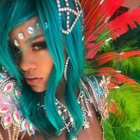 Rihanna recebe comentário de Chris Brown em foto do Instagram e fãs da cantora ficam revoltados!