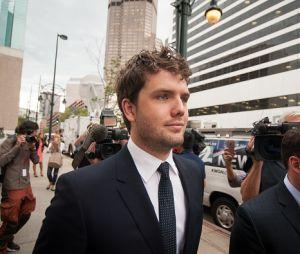 O ator Austin Swift, irmão de Taylor Swift, esteve presente no tribunal
