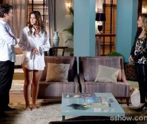 """Na novela """"Em Família"""", Luiza (Bruna Marquezine) se afoga e Shirley (Vivianne Pasmanter) não salva a menina"""
