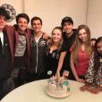 Larissa Manoela comemora marca de 11 milhões de seguidores e conta com a presença de amigos, como o ator Eduardo Melo e a atriz Gabi Motta