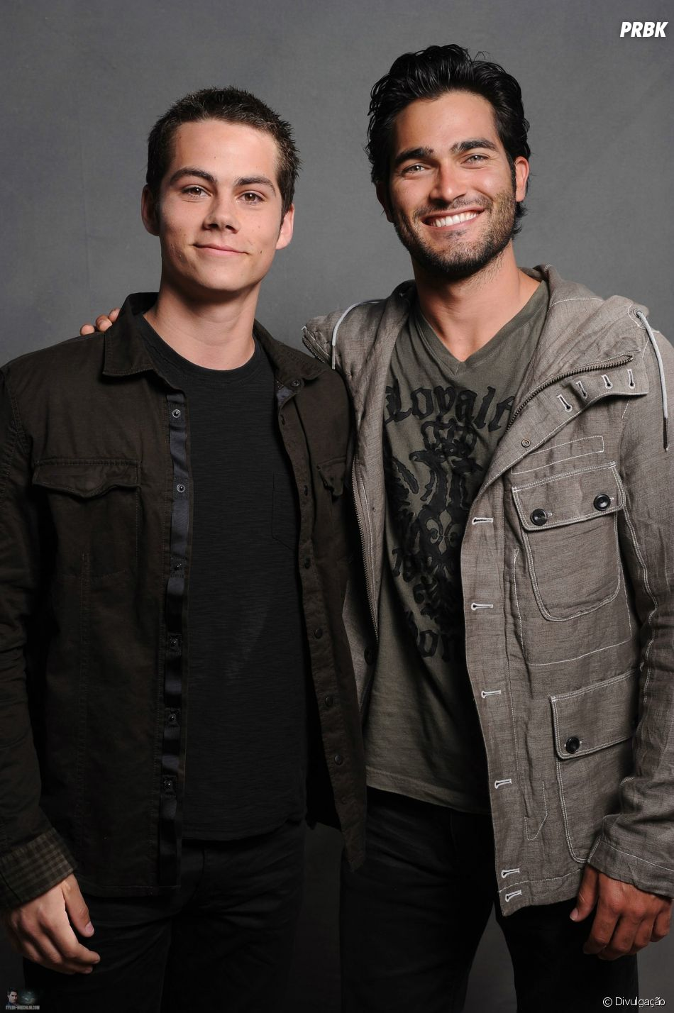 """No final de """"Teen Wolf"""", Derek (Tyler Hoechlin) e Stiles (Dylan O'Brien) voltam para ajudar Scott (Tyler Pousey)"""