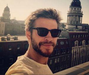 Liam Hemsworth publica texto em apoio ao casamento gay